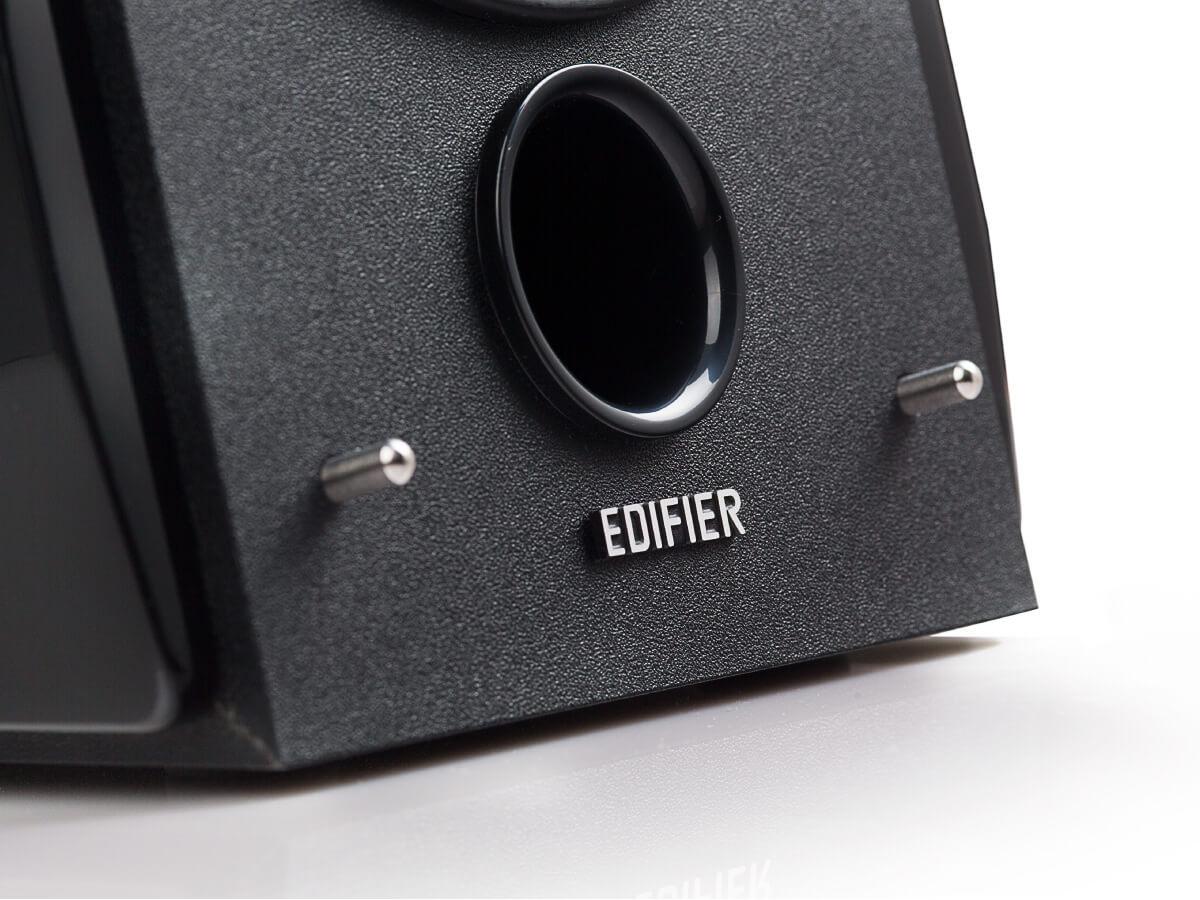 Bass reflex port for R1850DB bookshelf speaker system