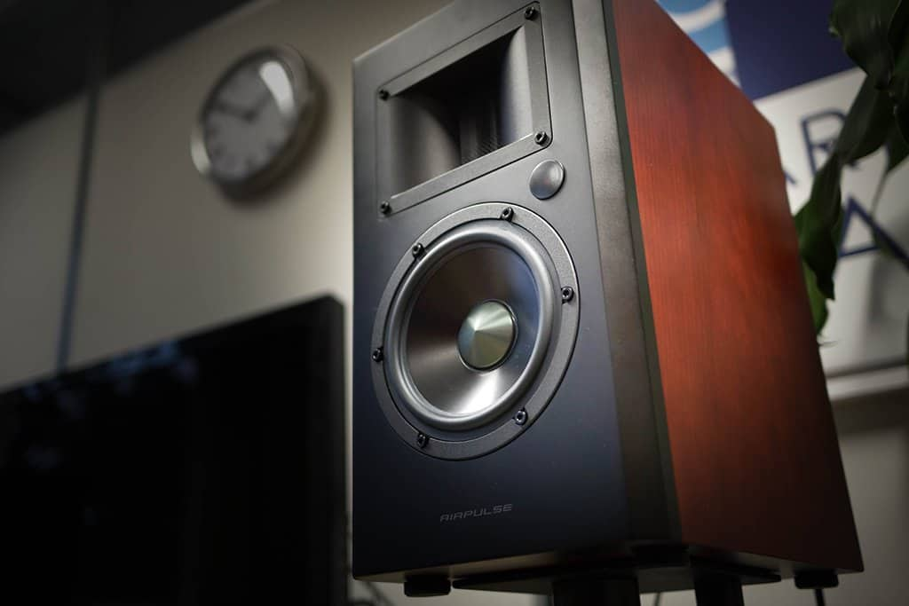 Alpha Audio review Edifier Airpluse A200